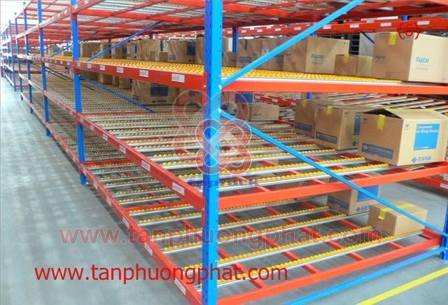 カートンフローラック Kệ Carton Flow Rack
